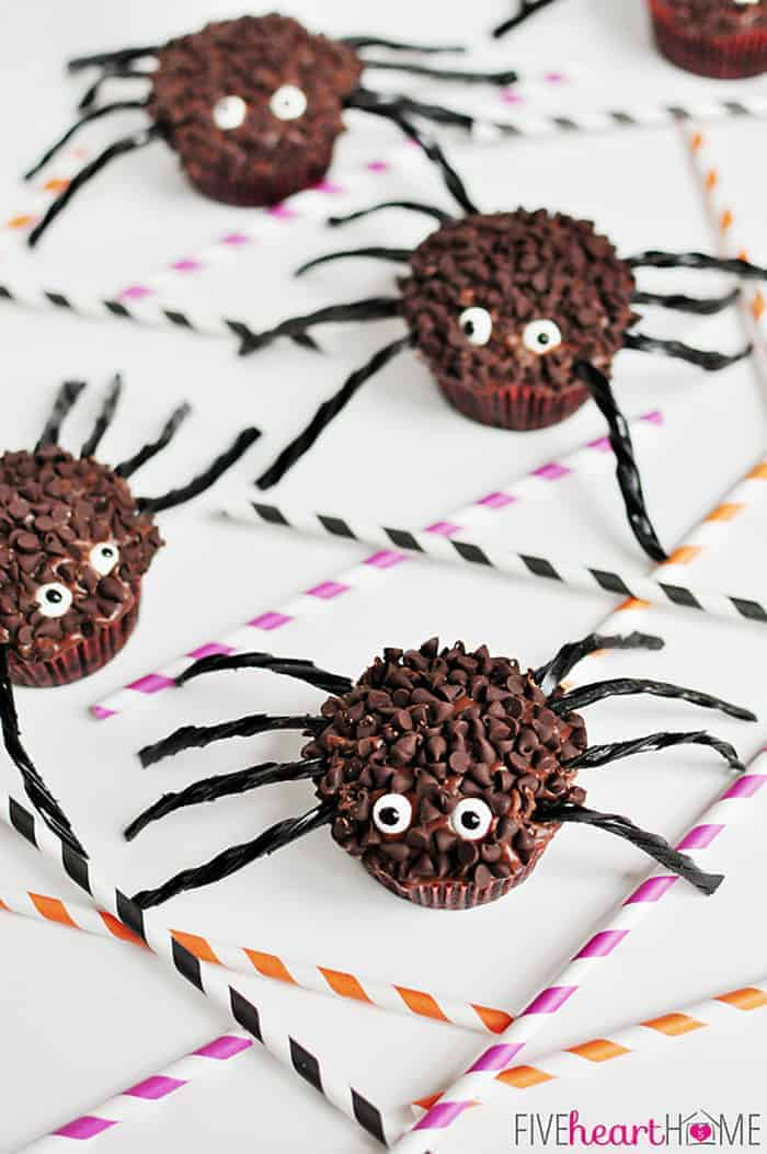Spider Cupcakes for Halloween | {Five Heart Home}
