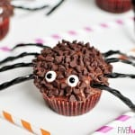 Spider Cupcakes for Halloween   {Five Heart Home}