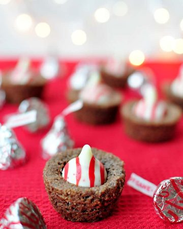 Candy Cane Kiss Brownie Bites ~ perfect for your holiday cookie platter!   {Five Heart Home for Love Grows Wild}