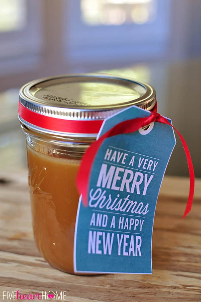 {5-Minute, 5-Ingredient} Homemade Caramel Sauce ~ a jar of this makes a perfect gift! | {Five Heart Home}