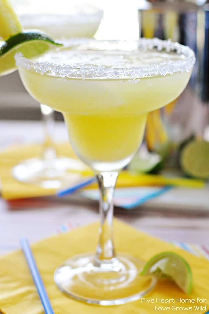 Fresh Pineapple Margaritas made with fresh lime juice and pineapple ...