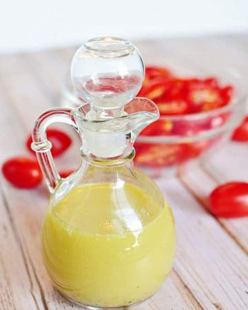 Creamy Vinaigrette ~ a delicious, classic salad dressing to complement mixed greens, sliced tomatoes, pasta salad, and more! | FiveHeartHome.com