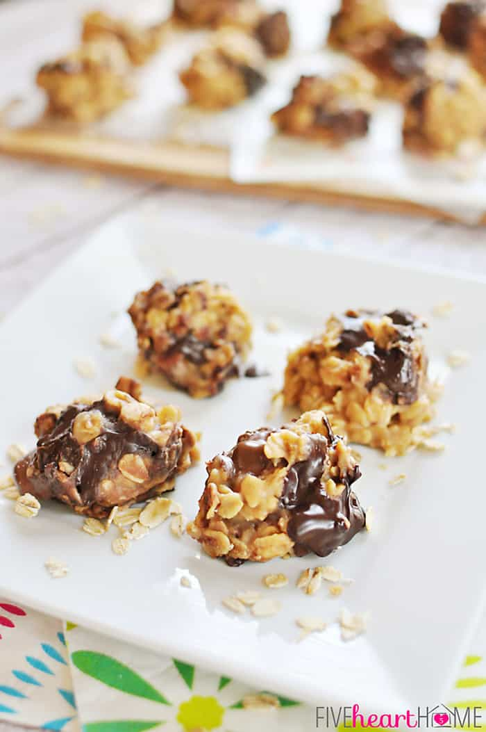 No-Bake Peanut Butter Chocolate Chunk Cookies ~ come together in minutes...no need to turn on the oven! | FiveHeartHome.com