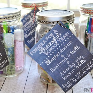 Back-to-School Teacher Survival Kit Mason Jar Gift ~ Free Printables!