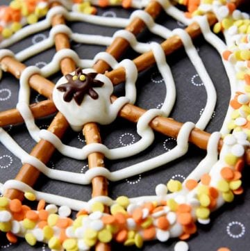 Pretzel Candy Spiderwebs ~ a fun and easy Halloween treat | FiveHeartHome.com