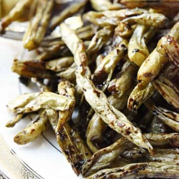 Roasted Balsamic Green Beans ~ like caramelized green bean French fries, this side dish is easy enough for a regular weeknight yet special enough for a holiday dinner | FiveHeartHome.com