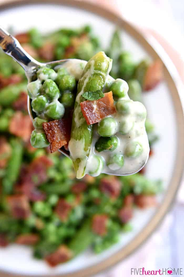 Aerial view of a spoonful of Creamed Peas.