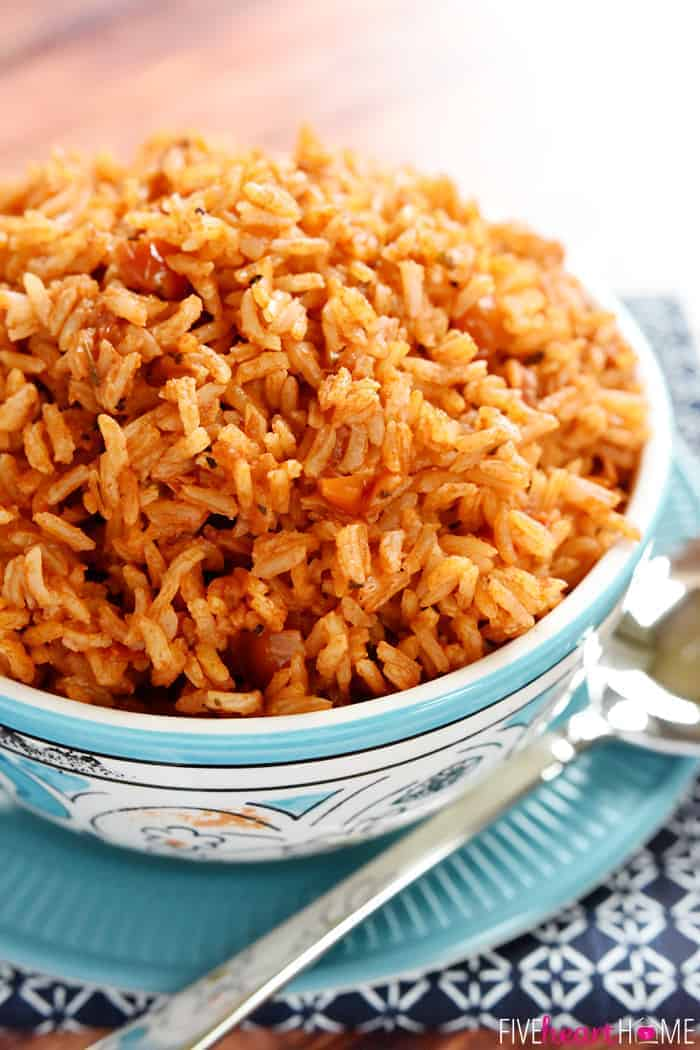 Easy Spanish Rice ~ cook a pot of rice using chicken broth, tomato ...