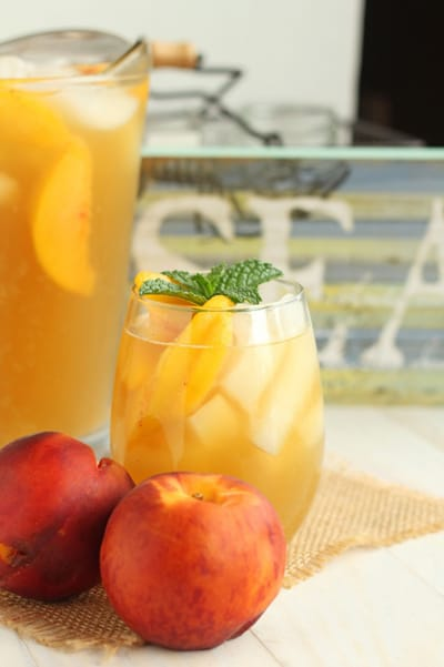 Peach Green Iced Tea | CarmelMoments.com