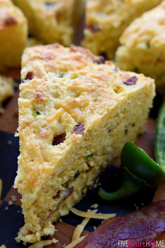 Bacon Cheddar Jalapeño Cornbread is moist, tender, and loaded with ...
