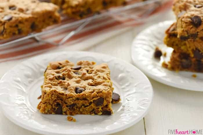 Chewy Pumpkin Chocolate Chip Oatmeal Bars