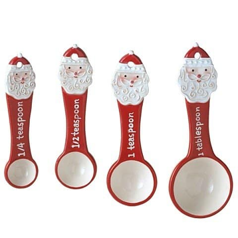 Santa Measuring Spoons | 2015 Holiday Gift Guide for Foodies @ FiveHeartHome.com