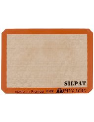 Silpat Silicon Baking Mat | 2015 Holiday Gift Guide for Foodies @ FiveHeartHome.com