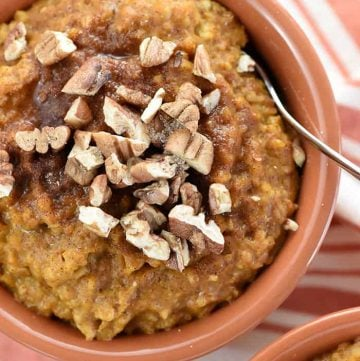 {Overnight} Slow Cooker Pumpkin Pie Steel Cut Oatmeal {with no burnt edges!}