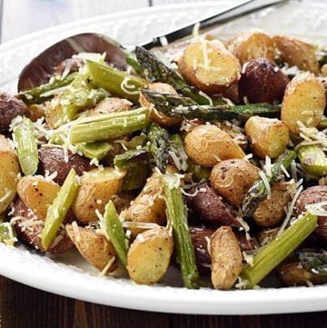 Cheesy Garlic Roasted Potatoes & Asparagus