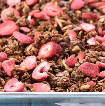 Nutella Strawberry Granola