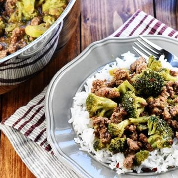 Ground Beef and Broccoli ~ a quick and easy, healthy skillet recipe that comes together in 15 minutes in just one pan! | FiveHeartHome.com