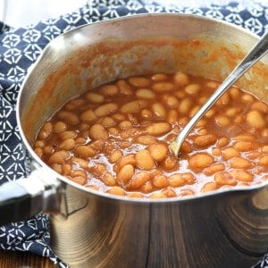 Easy Baked Beans in a pot for the stove.